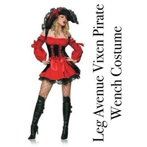 Sexy Vixen Pirate Wench costume Size L